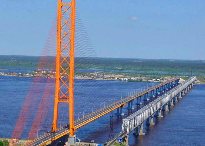 Открыт автодорожный вантовый мост через р. Обь
