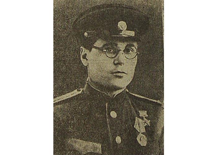 Звание «Герой Советского Союза» присвоено Королькову Ивану Васильевичу