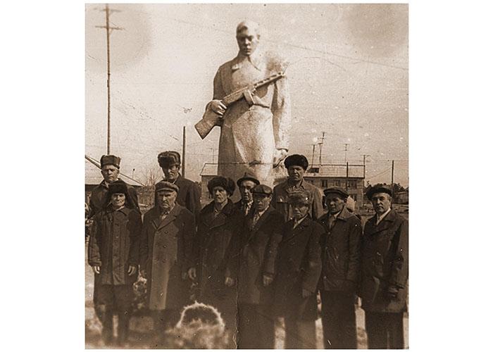 Открыт памятник «Воину-освободителю» в с. Сытомино
